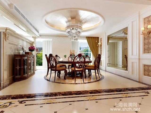 客厅面积比较广,因此在中部有横梁的部位一分为二,在一个天花上做出两