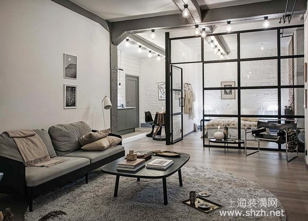 60平老房改造装修案例:完美融合旧与新的温馨工业宅