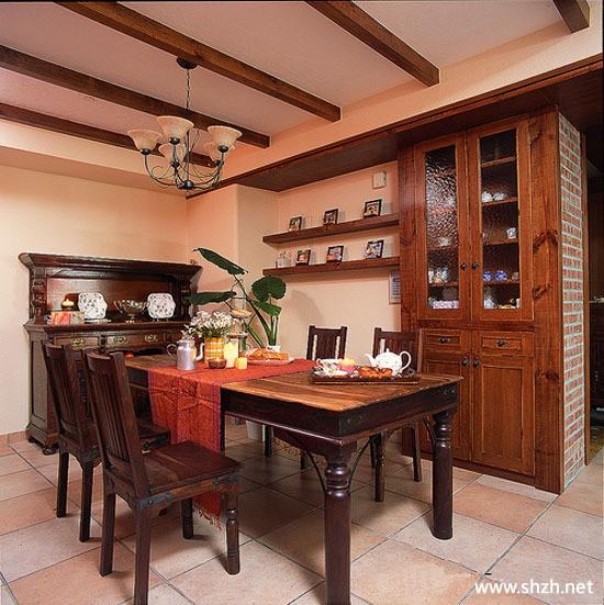 餐厅餐桌酒柜