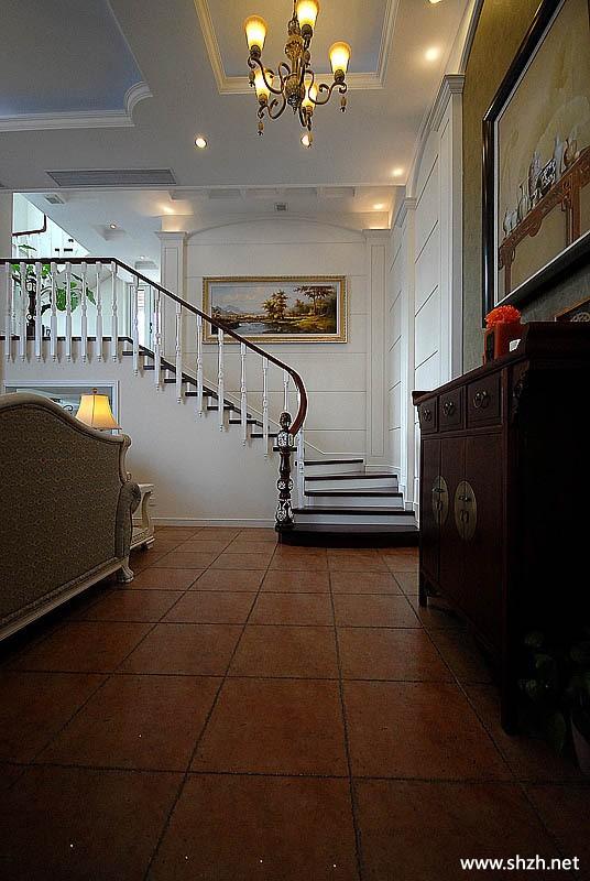 欧式客厅楼梯