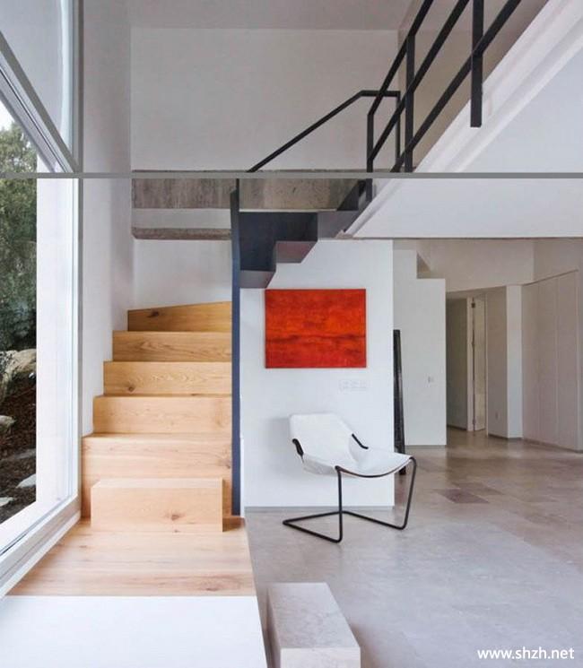 跃层复式楼梯过道图片