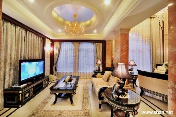 暖色欧式别墅客厅沙发吊顶