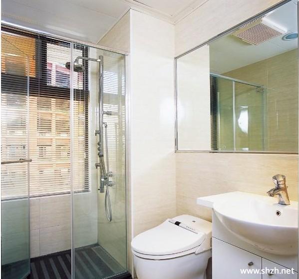 70后现代风格复式跃层小户型卫生间淋浴房台盆马桶