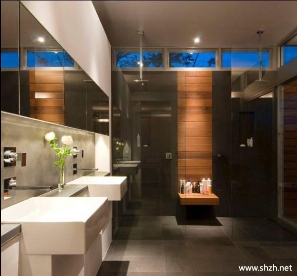 - Bruine en beige badkamer ...