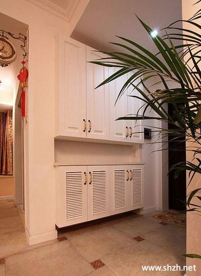 现代暖色欧式客厅沙发背景墙装饰画装饰摆件效果图