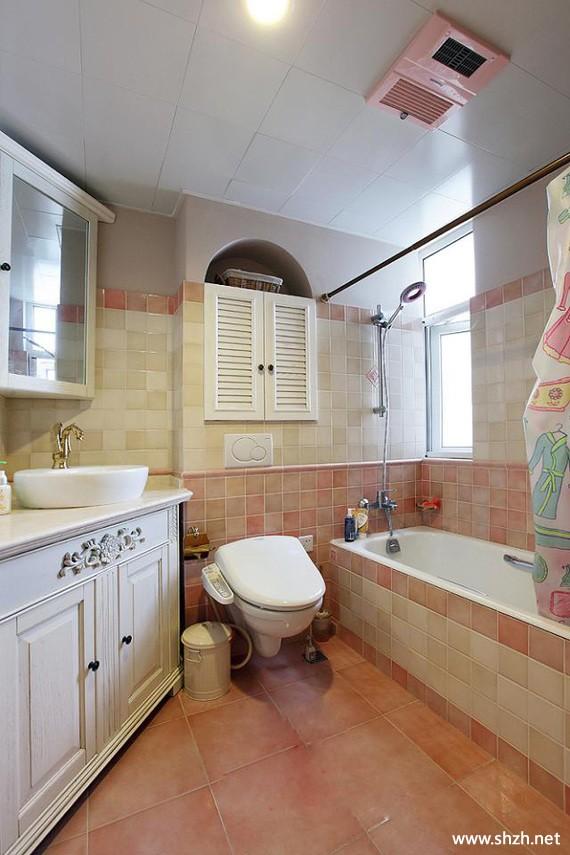 地中海卫生间浴缸台盆马桶大户型图片