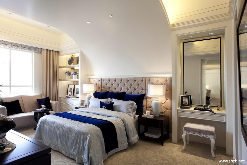 现代简约欧式卧室壁橱床储物架/储物柜梳妆台实景图