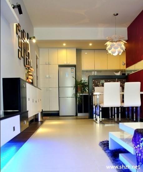 客厅 简约时尚/简约客厅餐厅壁橱餐桌实景图