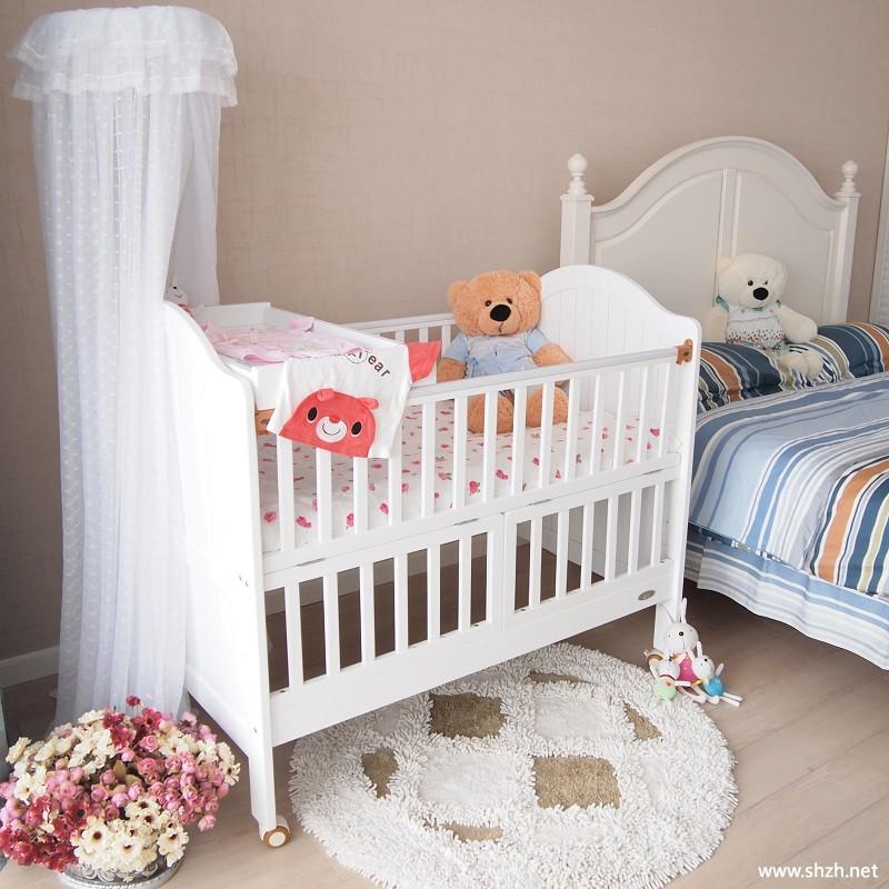 儿童房多功能收纳婴儿床