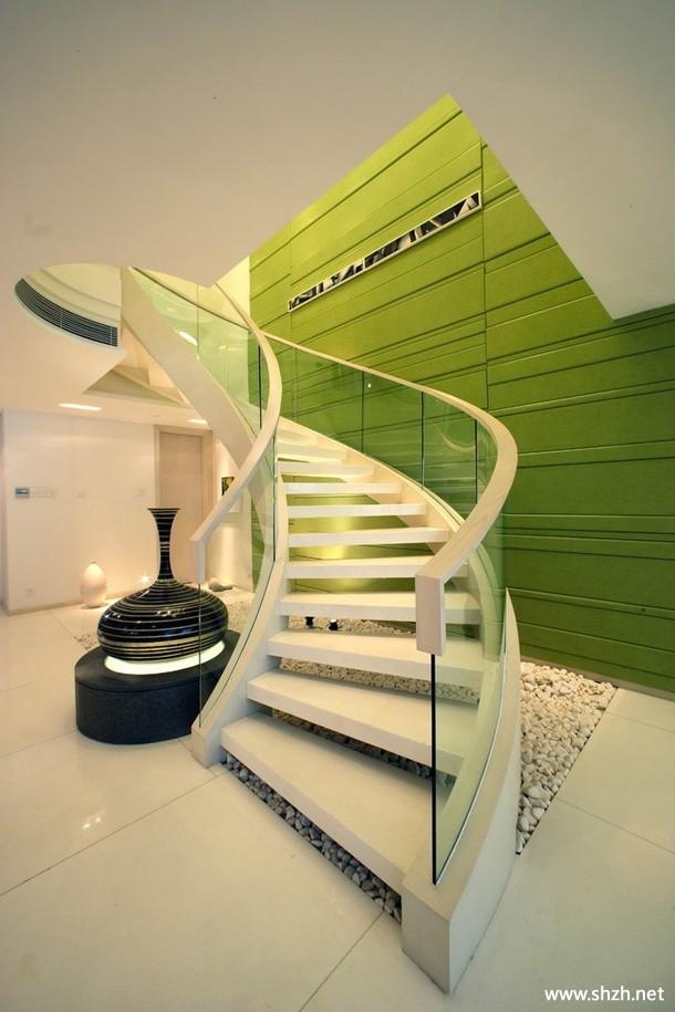欧式现代简约豪华别墅楼梯效果图