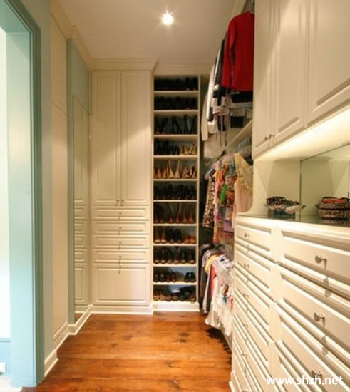 View 20038 further Home Storage Ideas moreover Modern Bedroom Furniture The Platform Style likewise E031c0a9b738b652 further U Is For Upstairs Hallway Makeover. on walk in closet ideas diy