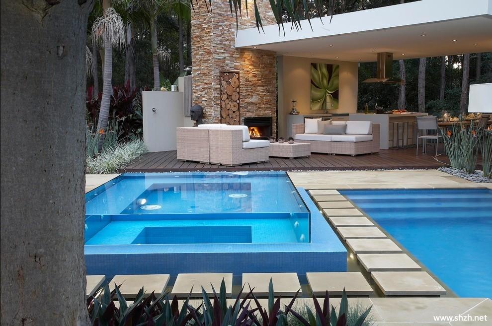 美式簡約別墅游泳池效果圖