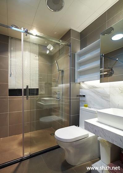现代卫生间马桶台盆淋浴房收纳图片