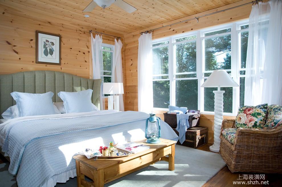 美式实木卧室装修效果图