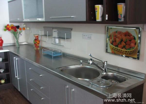 石英石、瓷砖还是不锈钢,哪种材质更适合做橱柜台面