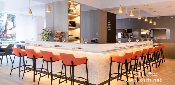 現代時尚壽司店裝修設計案例:在明亮溫暖氛圍中享受美食