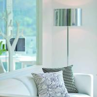 现代中户型客厅沙发灯具